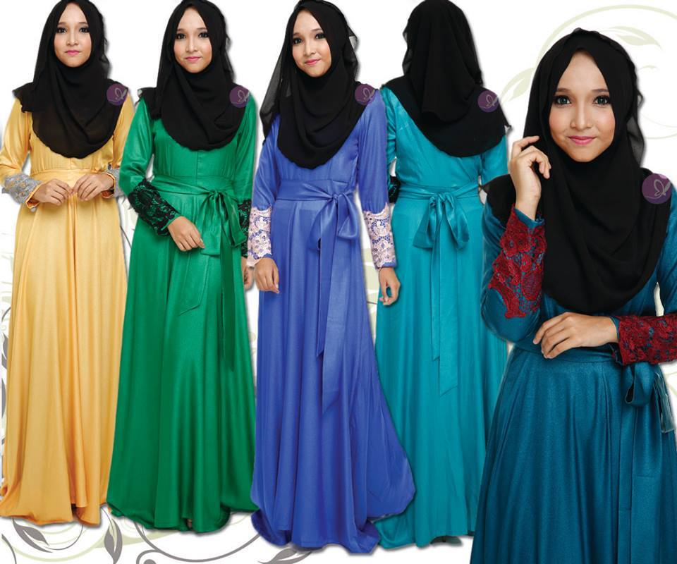 DRESS RANIA - DRESS EXCLUSIVE. Dibuat dari material EXCLUSIVE, DIAMOND SILK dan hiasan dari PRADA