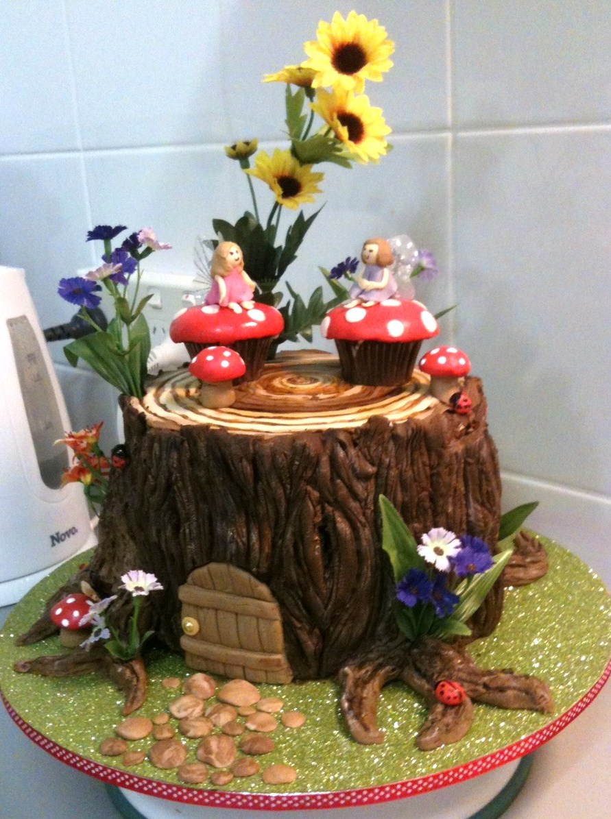 Sugarbloom cupcakes perth wa fairy house cake for Fairy garden birthday cake designs