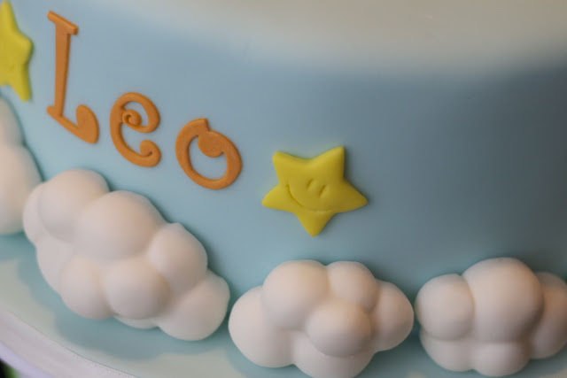 how to make clouds on a cake