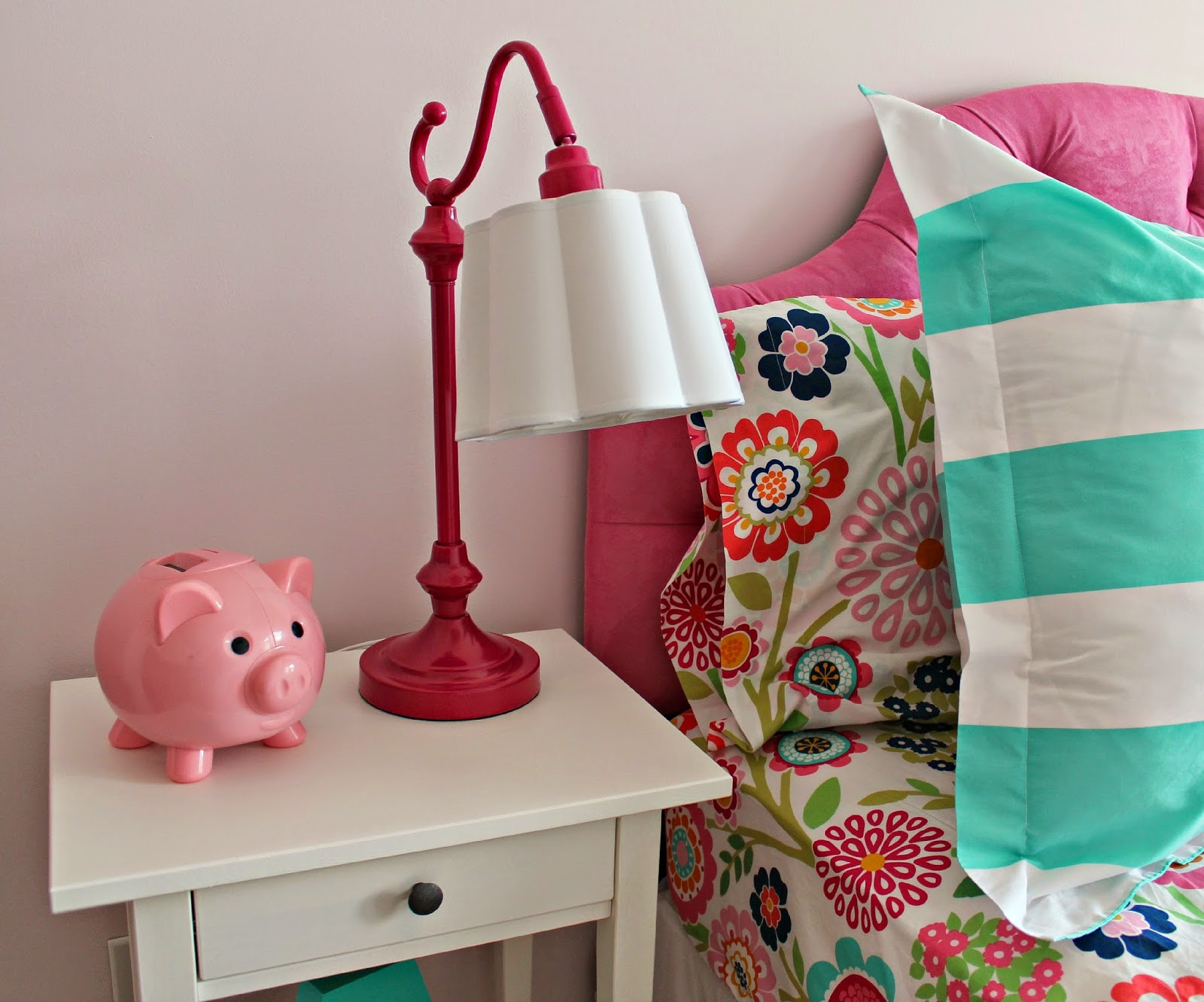 on my mind hadley 39 s nursery big girl bedroom lamps and nightstands. Black Bedroom Furniture Sets. Home Design Ideas