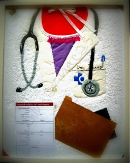 Babero decorado como un doctor-