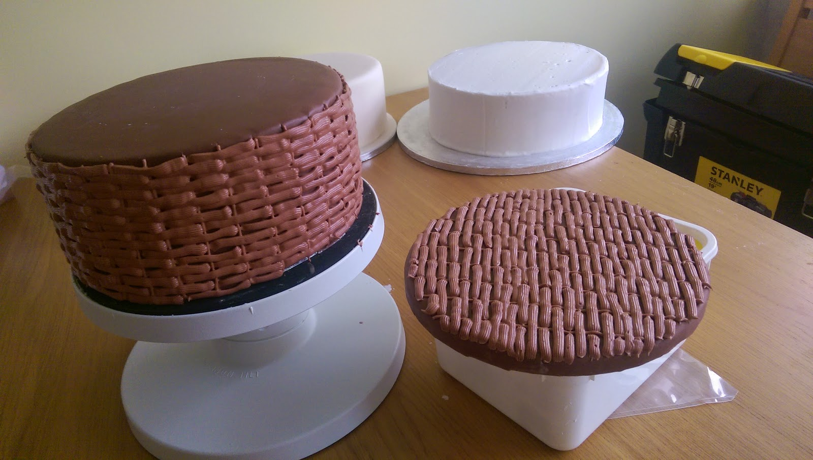 How To Make A Basket Weave Effect : Baking for the mini manley mum s sewing basket