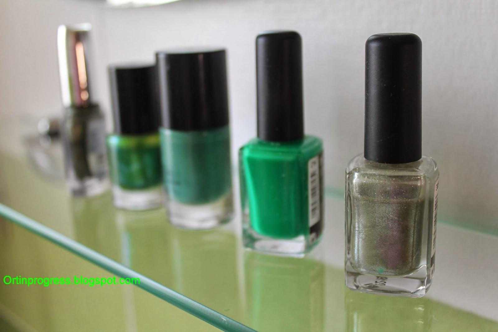 Orti in progress natale al verde pigne decorate con for Decorazioni natalizie unghie