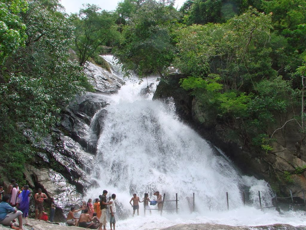 Best Places To Go For Summer Holidays In India Insight India A Travel Guide To India