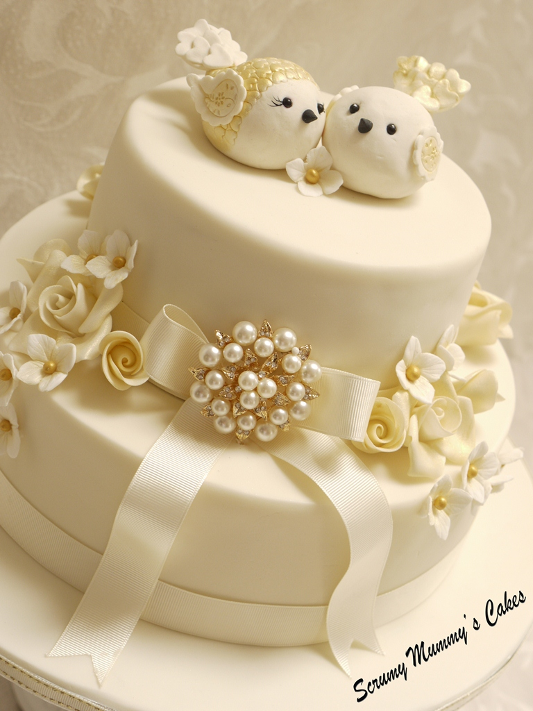 Isobella golden wedding anniversary cake for Anniversary cake decoration