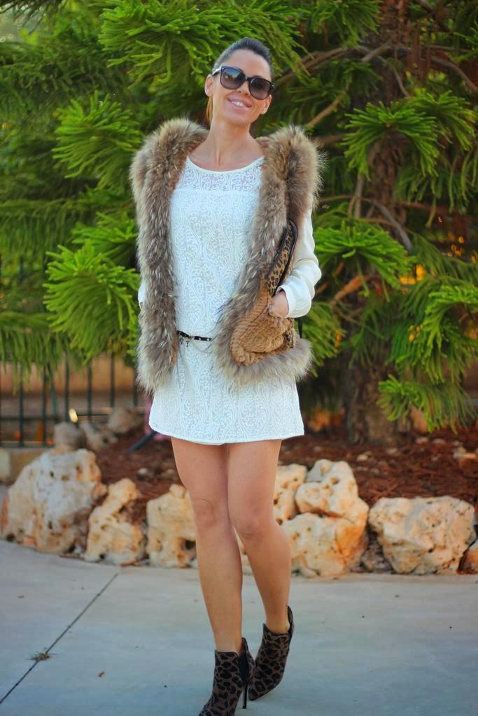 Vestido Naf Naf, chaleco pelo, complementos animal print