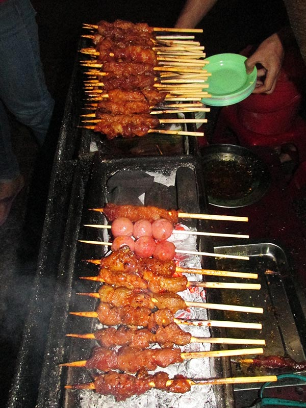 eo Nuong and Ho Lo Nuong - Grilled Pork Skewers and Pork Sausages