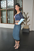 Shruti Haasan latest glam pics-thumbnail-5