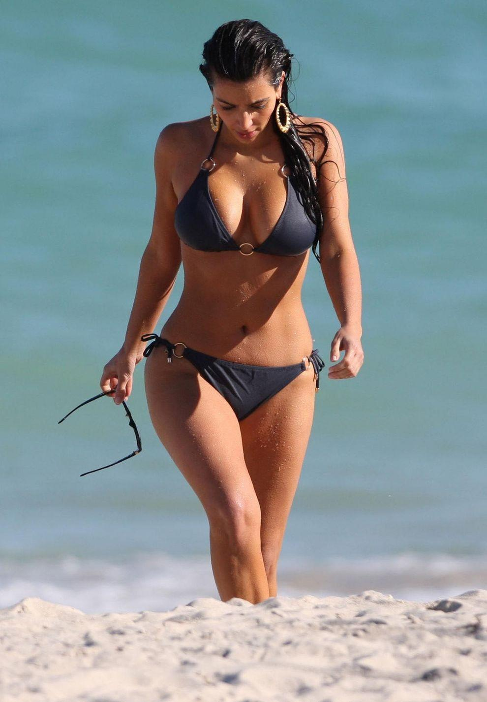 kim kardashian bikini photo gallery the edge