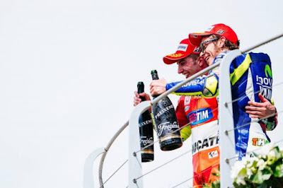 Iannone Tak Akan Beri Bantuan Apapun Kepada Rossi di Valencia