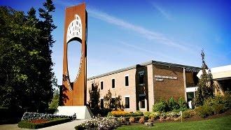 Universitatea creştină Trinity Western pierde acreditarea pentru că interzice relaţiile homosexuale