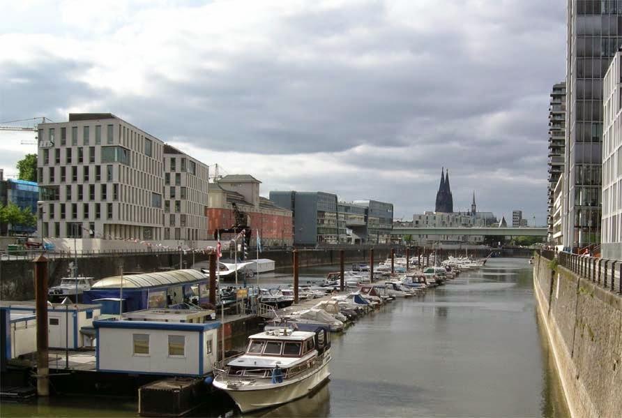 Die Marina im Rheinauhafen