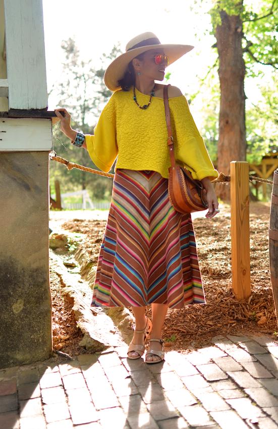 Midi skirt with flats