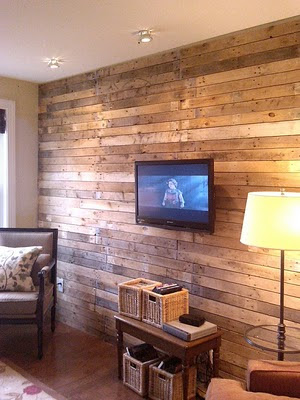 Condo blues wood pallet wall treatment - Wooden pallet accent wall ...