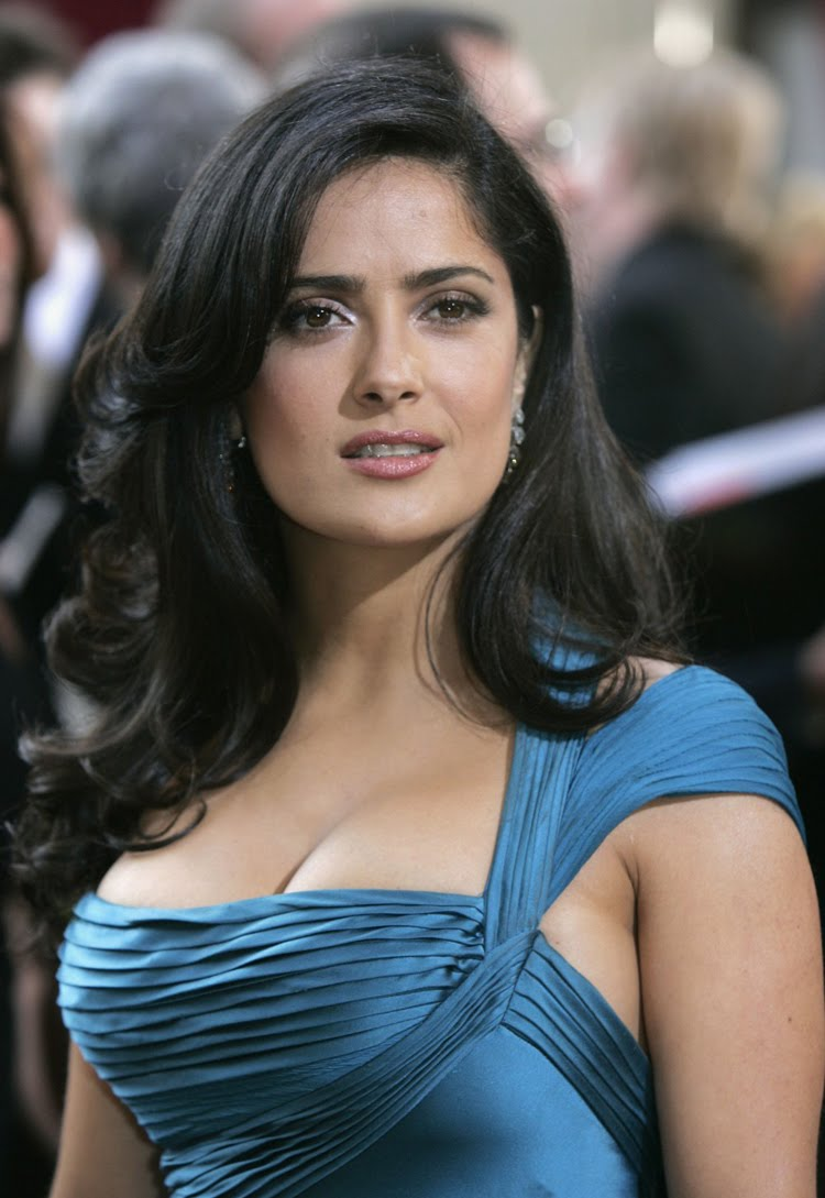 Fresh Look Like Salma Hayek Hairstyles 02
