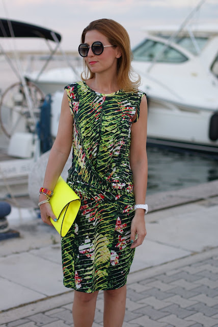 Kenzo Jungle print dress, round sunglasses, Fashion and Cookies