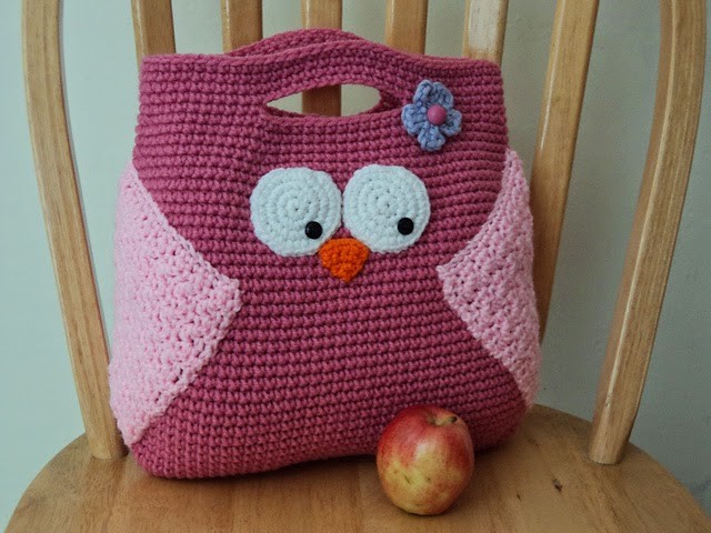 Crochet Owl Bag Pattern Free : Cute Little Crafts: Crochet Pattern: Owl Purse