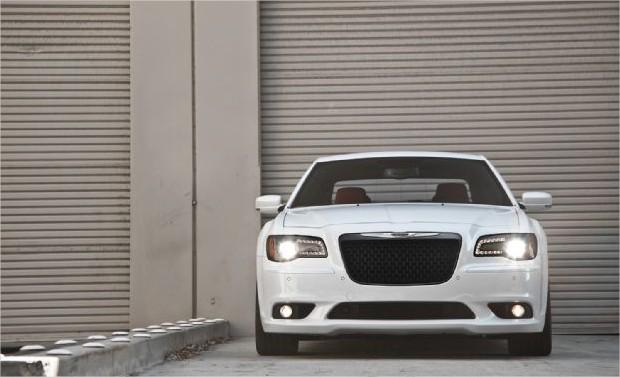 2013 new chrysler 300 srt8 world automotive. Black Bedroom Furniture Sets. Home Design Ideas