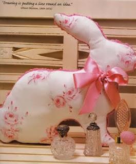 http://tia-jean9.blogspot.com.es/2011/04/conejos-de-tela.html