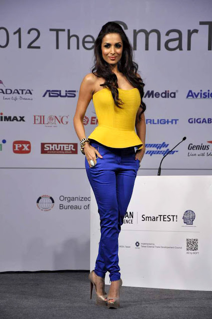 Photo - Malaika Arora Khan at SmarTEST! 2012 Final Contest