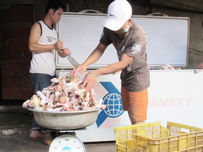 """Gia Lai: Kiểm tra cơ sở thu mua, """"lòi"""" hơn 600 kg xương, thịt không rõ nguồn gốc"""