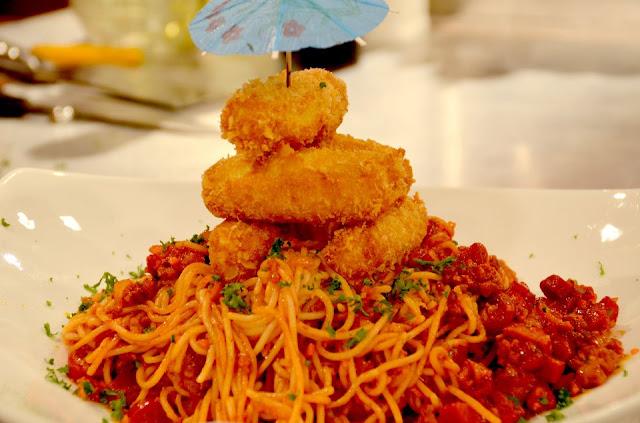 Pinoy Spaghetti with Mozzarella Sticks Recipe