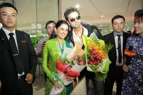 Cả hai cho biết, họ có những bất ngờ dành cho fan của mình, nhưng phải đợi đến buổi họp fan ngày mai (29/7).