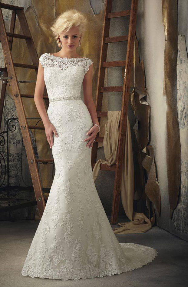 classy lace wedding dress with mermaid silhouette
