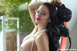 Hot Naked Girl - rs-315452_main-710886.jpg