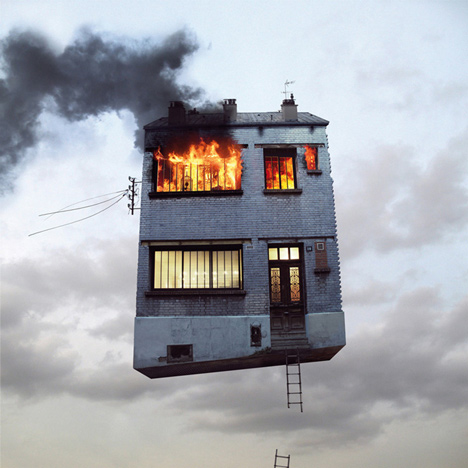 Flying Houses - En feu  2012
