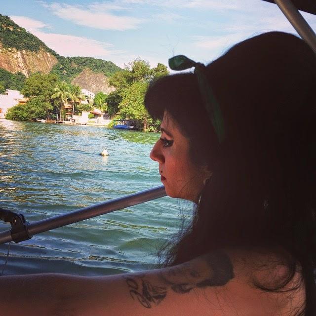 Sósia Amy Winehouse na Ilha Primeira
