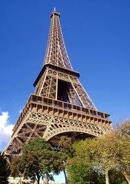 Somos la torre Eiffel encendida un 14 de febrero(8)