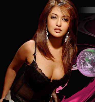 Riya Sen shows her cleavages Photos