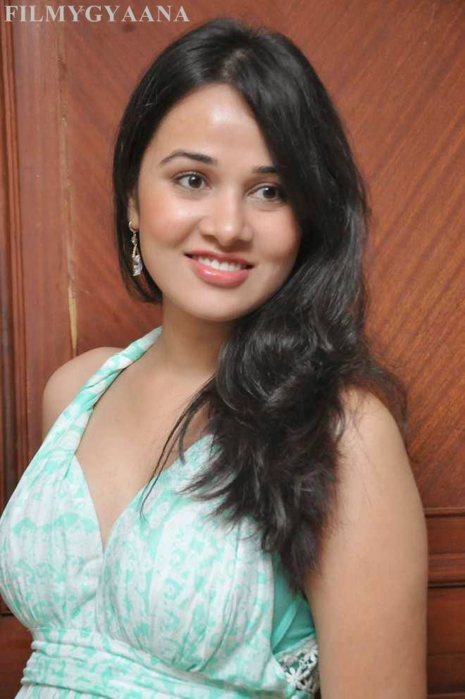 Nisha Kothari Latest Hot Photoshoot Photos Nisha Kothari Latest Hot Cleavage Show
