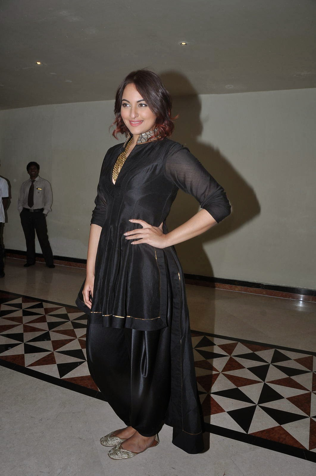 Actress Sonakshi Sinha Latest Photos Black Dress At Tevar Movie Press Meet Celebsnext Swapna Hot