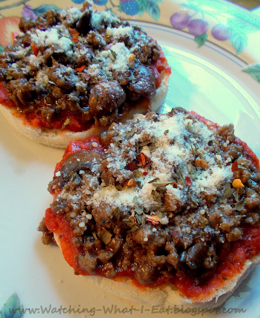 Quick English Muffin Pizza ~ this is a favorite in our house. It's ...