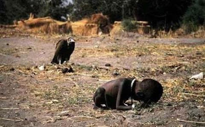 "Pulitzer Prize"" winning photo taken in 1994 during the Sudan Famine"