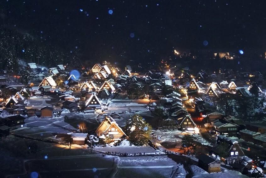 世界遺産白川郷合掌造り集落ライトアップ