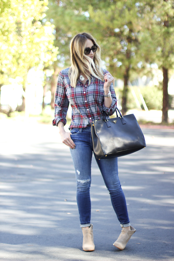 skinny jeans with booties for fall