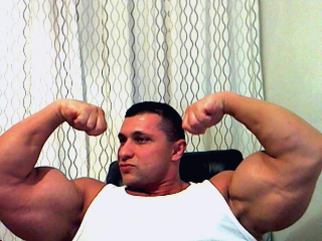 Bicep muscle Worship http://musclelovergr.blogspot.com/2011/05/iana-ionut-mr-biceps-of-romania.html