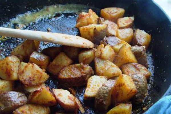 aardappelen bakken: recept hoe je lekkere gebakken aardappelen maakt