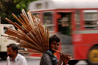Photo Flute Player On Mumbai Street