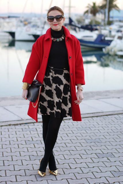 red Kiomi coat, elegant outfit, zara clutch, golden pumps, Fashion and Cookies, fashion blogger