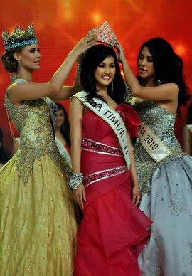 Gambar Foto Astrid Ellena Miss Indonesia 2011