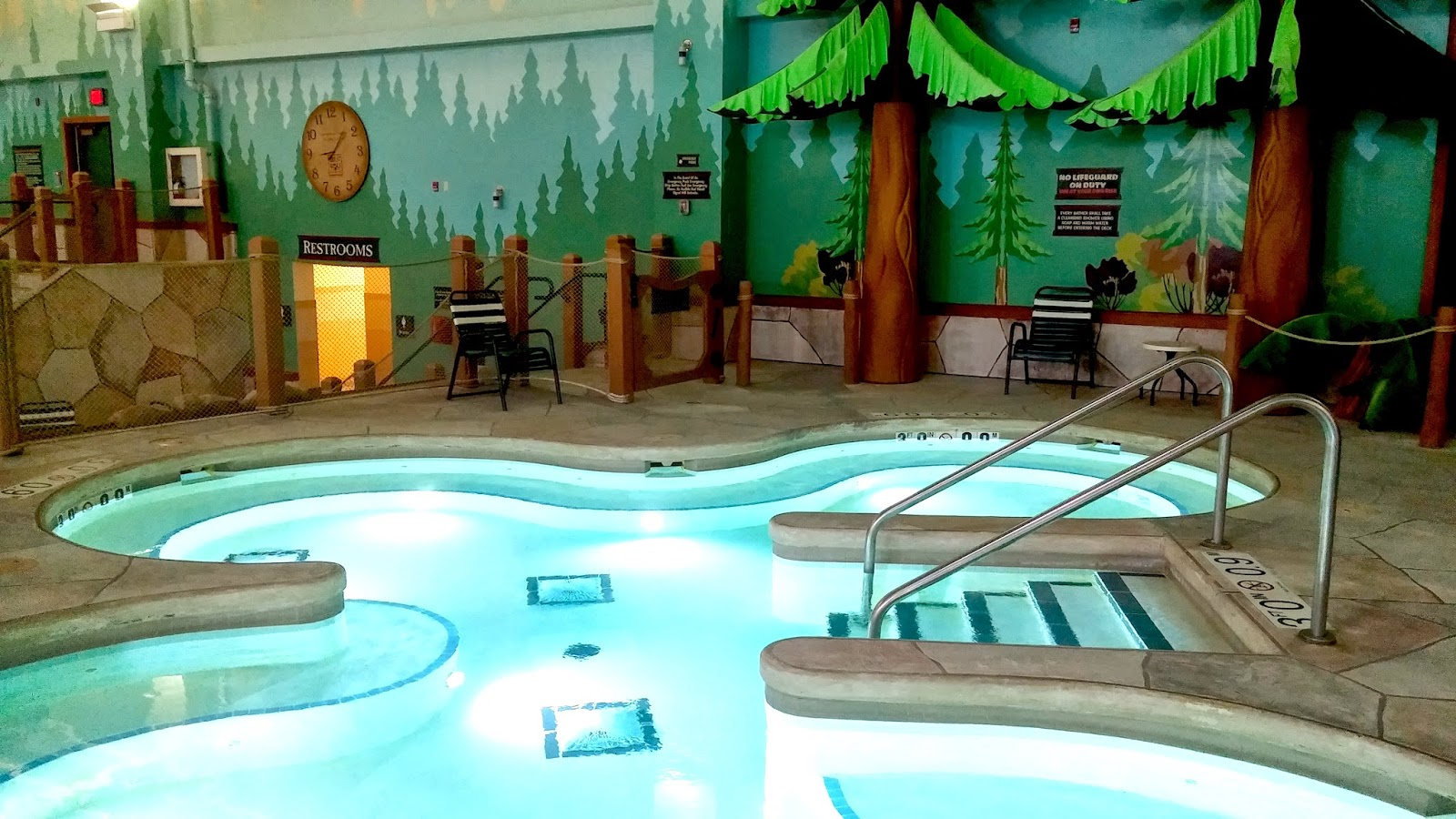 Great Wolf Lodge Niagara Falls - Water Park Hot Tubs