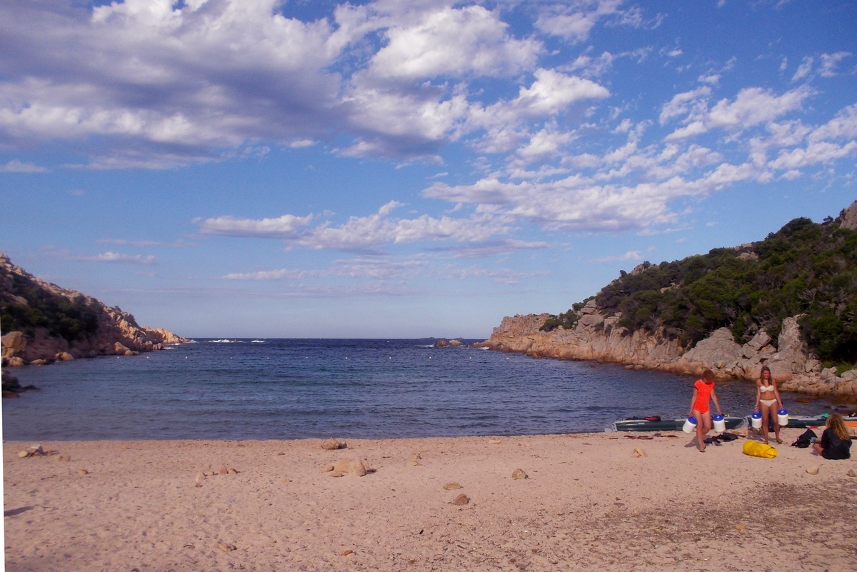 3 semaines de kayak gonflable en sardaigne 20 ao t cala for Piscine garibaldi