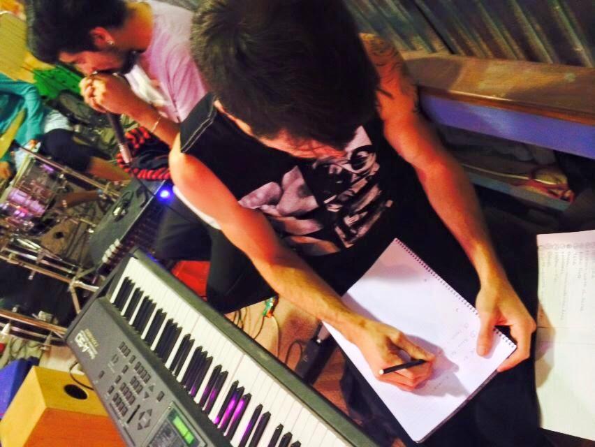 mariano, teclados/acordeon