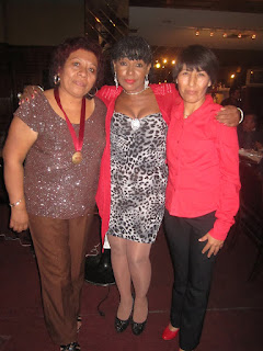 Betty Ramos, Rosaluz y Felipa Barriga