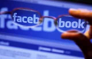 Tribunal neoyorquino multa al diseñador web que reclama propiedad de Facebook