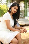 Yamini bhaskar glam pix-thumbnail-14